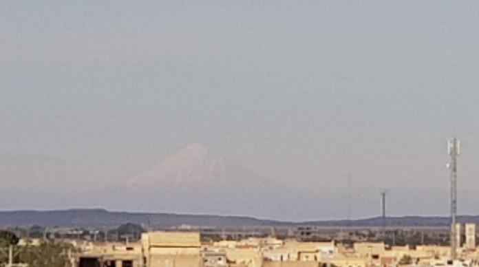 قله دماوند از آران و بیدگل