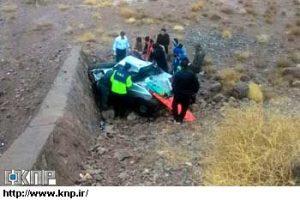 سقوط خودرو پراید به داخل دره در روستای خنب کاشان