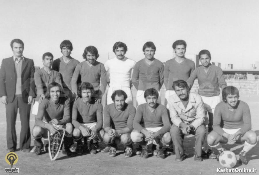 عکسی از تیم منتخب استقلال و امیرکبیر کاشان 54