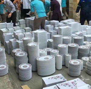 ظروف چینی اهدایی به سیلزدگان