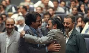 علیرضا افتخاری در آغوش محمود احمدینژاد