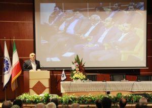 سخنرانی تولایی در حضور مدیرعامل بانک توسعه صادرات ایران در اتاق بازرگانی کاشان