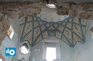 نمای سقف زیبای دفتر ارباب تفضلی در آستانه تخریب