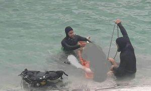 بیرون کشیدن جوان غرق شده از آب در برزک کاشان