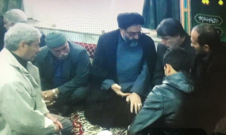 عباسعلی منصوری در بین مردم رحق