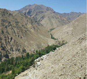 ابتدای مسیر روستای وش نطنز
