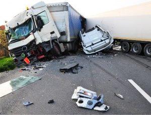 تصادف سه خودرو در جاده کاشان قم