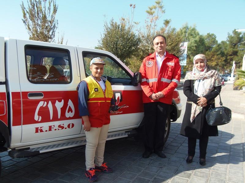 مدیر آتشنشانی کاشان، محمد طاها زارع و مادرش