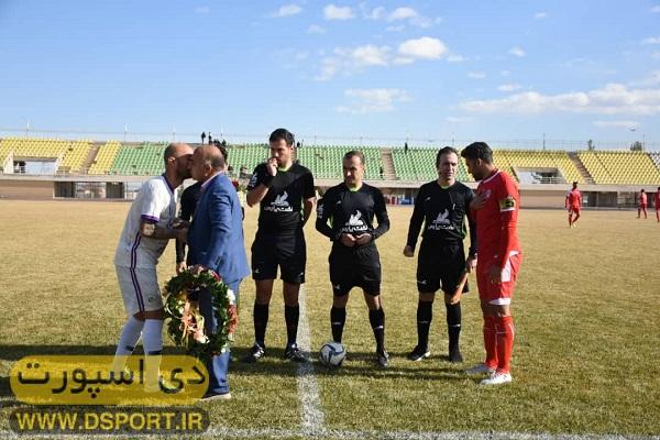 تجلیل از مسعود غفاری کاپیتان تیم ملی پیشکسوتان فوتبال ایران