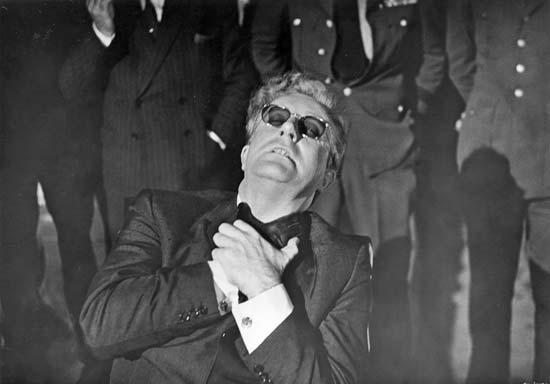 صحنهای از فیلم مشهور دکتر استرنجلاو