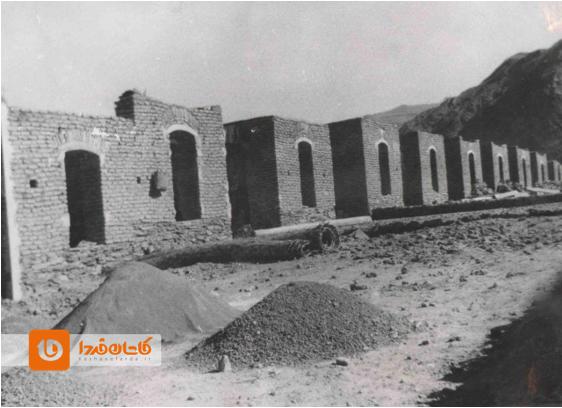 ساخت خانههای دولتی پس از سیل ۱۳۳۵ برزک