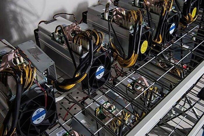کشف ۵۰ دستگاه استخراج ارز دیجیتال غیرمجاز در کاشان