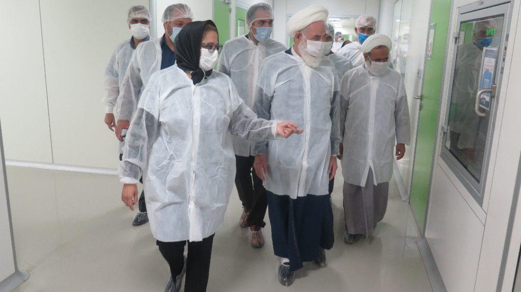 بازدید امام جمعه کاشان از شرکت باریج اسانس