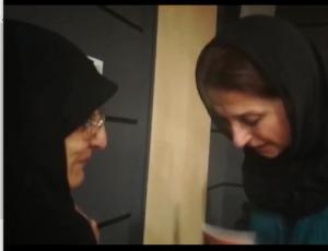 ادای احترام فاطمه معتمدآریا به فرشته ملکی همسر سردار شهید مدق